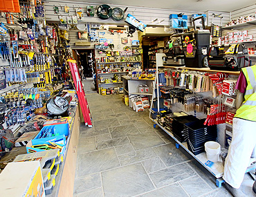 01 3 - In the Shop